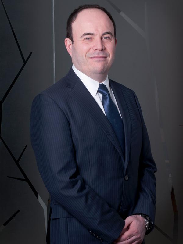 Boris León